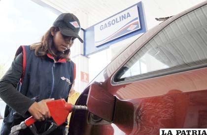 El precio de los combustibles, es un tema que nuevamente sale a la palestra pública