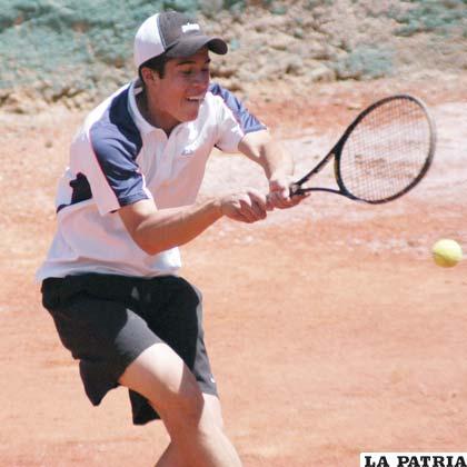 Jonathan Butrón tenista orureño