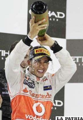 Hamilton celebra la victoria
