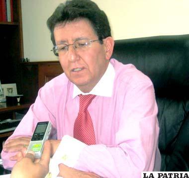 Ramiro Dulón, gerente de la Empresa de Luz y Fuerza Electica de Oruro S.A. (Elfeosa)