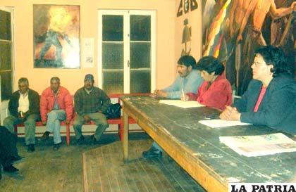 Reunión del Comité Cívico, realizada ayer por la noche