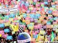 Miles de personas protestan contra la cumbre del G20 que arranca el jueves en Cannes