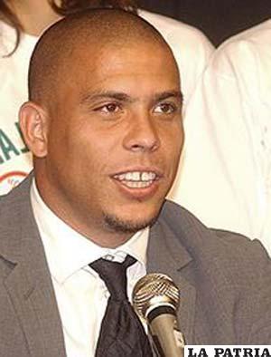 Ronaldo Nazario (ES.WIKIPENDIA.ORG)