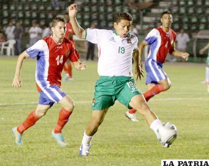 Saucedo no solo marca goles en San José, ahora también en la Selección Nacional