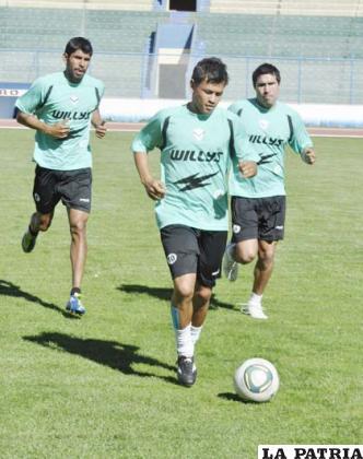 Marcelo Gomes entrenó a la par de sus compañeros