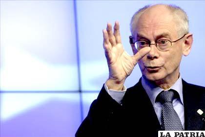 Presidente del Consejo Europeo, Herman Van Rompuy, durante una rueda de prensa tras el segundo día de la cumbre que se celebra en Bruselas, Bélgica
