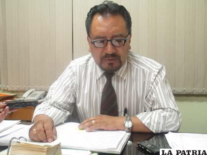 El fiscal Jhonny Echalar informó de los casos de violencia contra la mujer