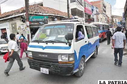 Transportistas mantienen el incremento de tarifas a pesar de rechazo de la población
