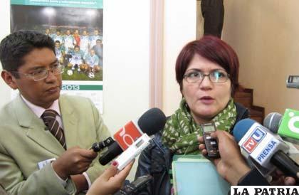 La ministra de Autonomías, Claudia Peña
