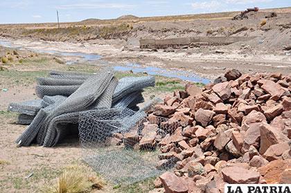 Gobernación, Alcaldía y comunarios aúnan esfuerzos para prevenir inundaciones por río Paria