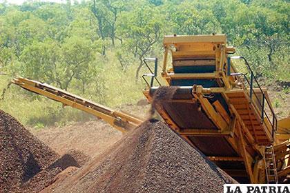 Otra fuente de ingresos mineros de alto volumen podrá generarse con la explotación del hierro de Mutún y su industrialización