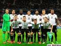 Los alemanes tuvieron que pasar la noche en el estadio de París, tras el atentado /pasionfutbol.com