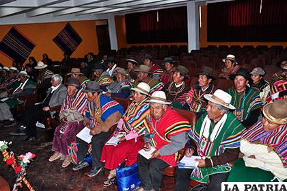 Autoridades de Caracollo se reunieron para analizar los mecanismos para combatir la sequía
