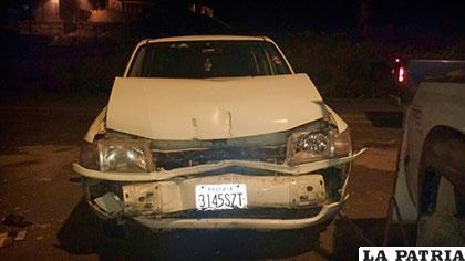 La vagoneta quedó dañada en la parte frontal