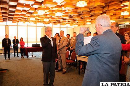 Prudencio en el juramento como presidente del consejo de administración de la Fcbcb