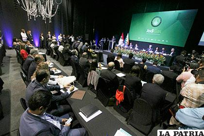Empezó el evento que reúne a grandes países hidrocarburiferos