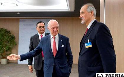 Gobierno y oposición sirios participan en conversaciones sin lograr diálogo directo