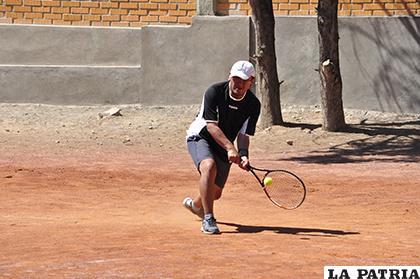 Los universitarios incursionarán nuevamente en el tenis //archivo LA PATRIA