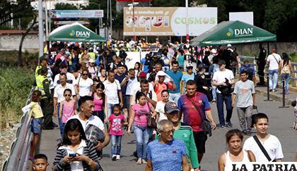 Ciudadanos venezolanos cruzando la frontera hacía Cúcuta, Colombia /TVN-2.COM