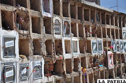 Los pabellones del Cementerio General no están en buenas condiciones /LA PATRIA /ARCHIVO