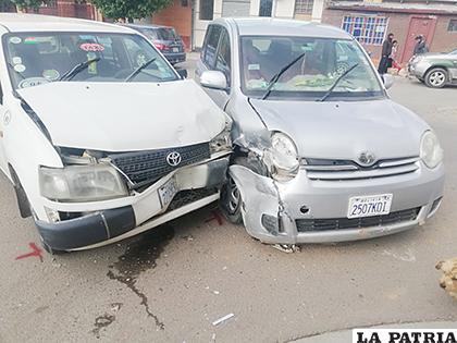 Ambos vehículos resultaron dañados /LA PATRIA