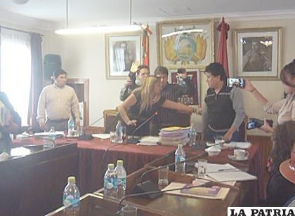 La sesión concluyó con reacciones exacerbadas de algunos concejales /LA PATRIA
