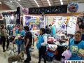 Los voluntarios de la organización animalista recaudan fondos para apoyar a animales abandonados /LA PATRIA