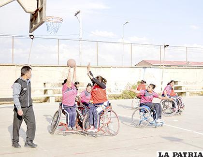 El fin de semana volverá a escena el torneo de basquetbol sobre silla de ruedas /LA PATRIA /Archivo