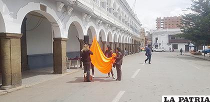 El color naranja representa el rechazo a la violencia a las mujeres y el apoyo a las víctimas /LA PATRIA