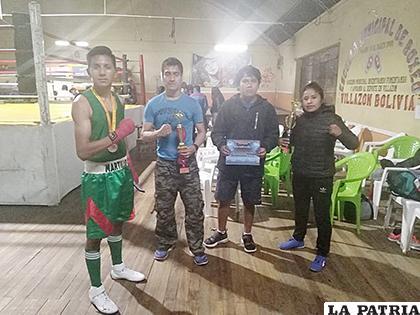 Boxeadores orureños del club Paco que se preparan para el torneo /cortesía Edgar Ajno