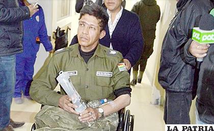 El sargento Alcon cuando ingresó al Hospital Obrero en La Paz / RR.SS.