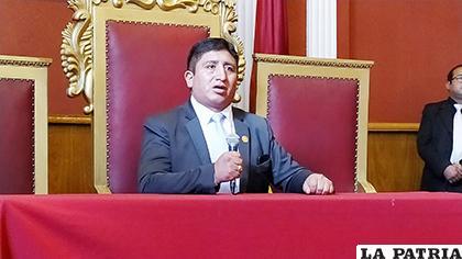 Oswaldo Olivera ya comenzó a ejercer funciones de alcalde /LA PATRIA