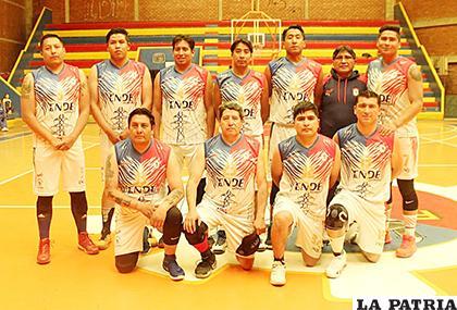 Luz y Fuerza es el campeón nacional de básquetbol  /Carla Herrera /LA PATRIA