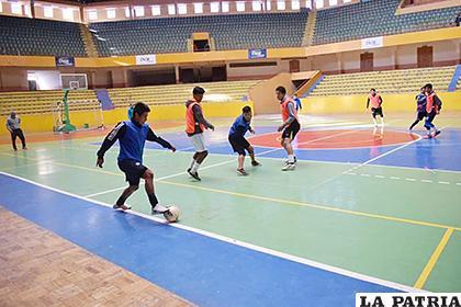 El equipo seguirá entrenando mentalizado en los cuartos de final /LA PATRIA