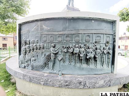 Monumento dedicado el genio musical orureño