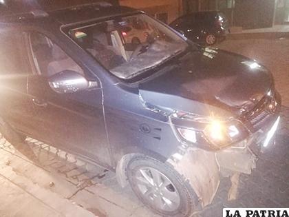 El vehículo que habría impactado contra la motocicleta  /LA PATRIA