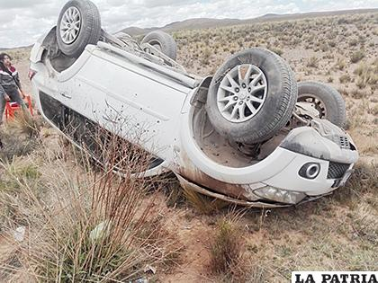 Los ocupantes heridos fueron trasladados de urgencia hasta la ciudad de Oruro /LA PATRIA