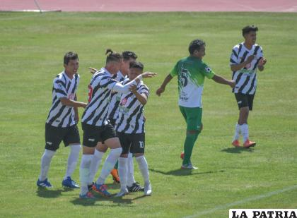 Oruro Royal decidido a ganar para mantenerse primero en la tabla /LA PATRIA