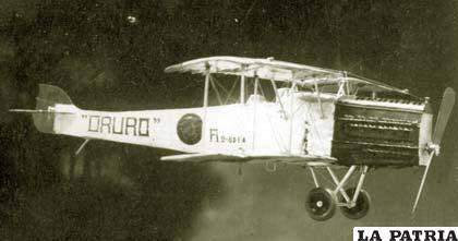 La avioneta en la que Juan Mendoza voló por primera vez en Bolivia  /archivo LA PATRIA
