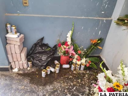 Familiares molestos por el estado en el que se encuentra el mausoleo de Notables /RR.SS.