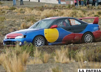 El coche de Jairo Chura, ganador de la prueba Doble Oruro – Sacaca