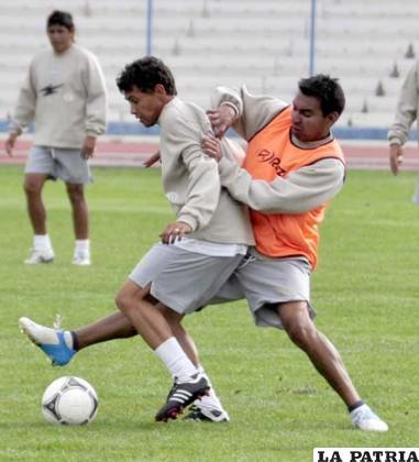 Marcelo Gomes manejará el medio campo