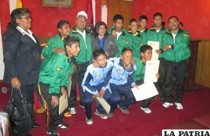 Integrantes del equipo de fútbol de salón del colegio Ignacio León