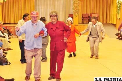 """Una vida digna para los """"abuelitos"""" de Oruro"""