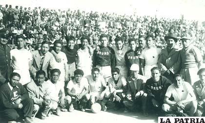 La selección de fútbol de Oruro que participó en el nacional de Llallagua en 1948