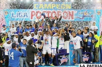 Jugadores de Millonarios celebran el título del fútbol colombiano (foto: record.com)