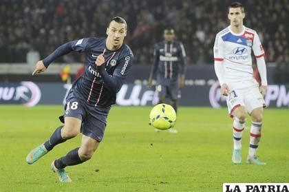 Zlatan Ibrahimovic delantero del París Saint Germain