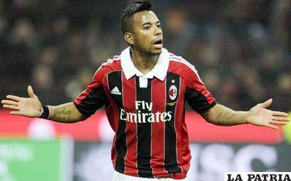 El Santos y el Flamengo han iniciado gestiones ante el Milán italiano con la intención de fichar a Robson de Souza