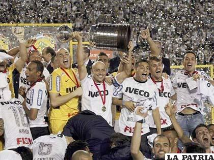 Corinthians es el defensor del título de la Copa Libertadores (foto: apasionados.com)