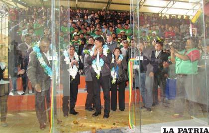 Durante la inauguración de las doce canchas de raquetbol